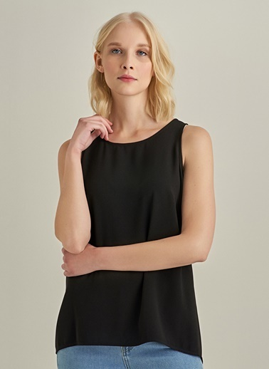 NGSTYLE Yırtmaç Detaylı Bluz Siyah